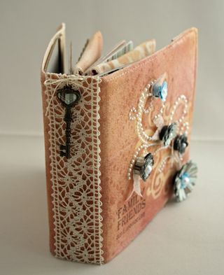 Erin_Bassett - Prima - Basic Grey - Mini_Book - Spine Key